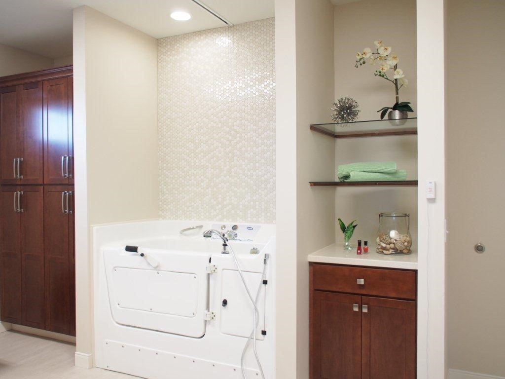 Invacare Interior Design Cottages of Lake St. Louis Facility
